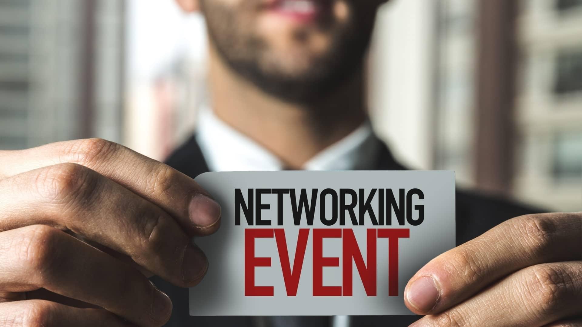 Read more about the article Qu'est ce qu'un événement de réseautage professionnel ?