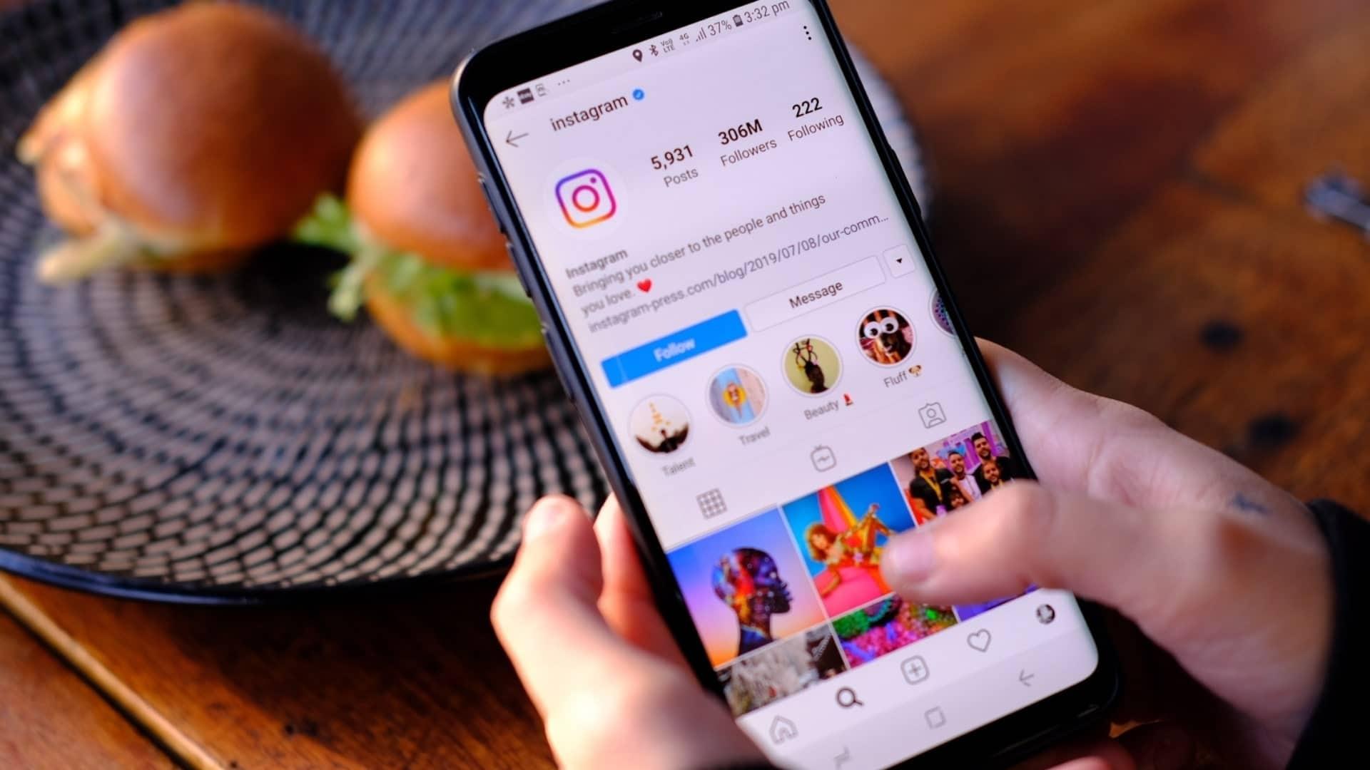 Read more about the article Partenariat Instagram et influenceurs : Comment monétiser sa communauté  et créer une campagne en ligne avec un fort engagement ?