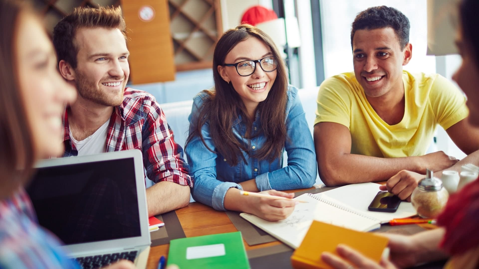Read more about the article Le réseautage est important à l'université parce que